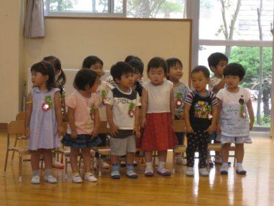 満3歳のいちご組のお友だち、歌の発表です。