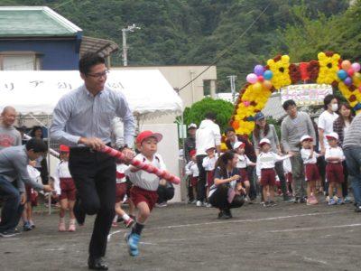 年中さんの親子競技は「台風の目」。がんばれ~!