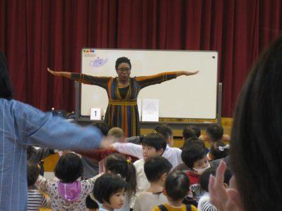 今日はウィニフレッド先生の英語参観日でした。