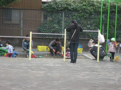 残りの時間は、園庭でみんなで遊びました。
