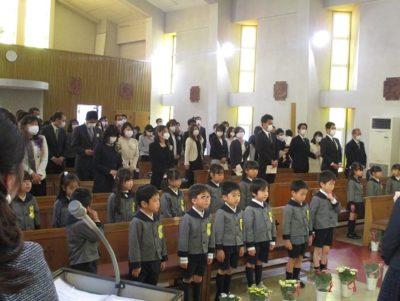最後は全員で「聖マリア幼稚園園歌」を歌いました。