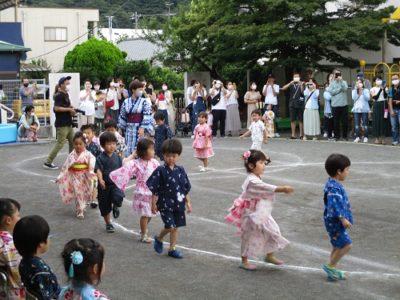 続いては年中組の「カバトット」の踊りです。