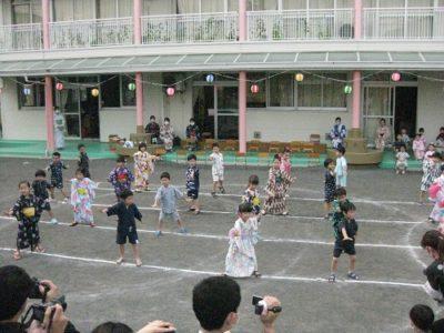 年長は、威勢のいいかけ声と共に「ようこそ日本へ!」
