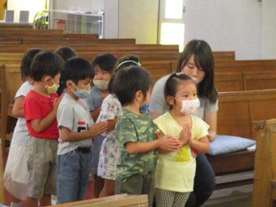 週1回の聖堂でのお祈りの時間です。