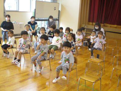 第二部は、満3才いちご組と年少さんのお誕生日会