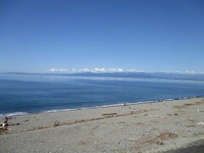 目の前に、穏やかで美しい海が広がっていました。