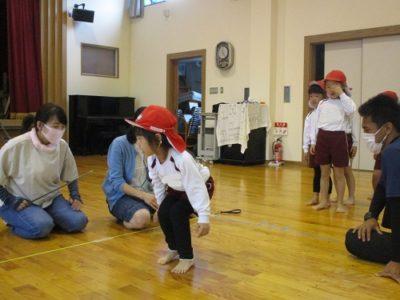 女の子達も膝を使って、上手にジャンプしていました。