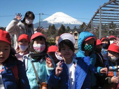 御殿場高原の中をお散歩。富士山が大きく大きく見えました。