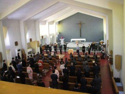 カトリック沼津教会の聖堂にて、第72回卒園式がおこなわれました。